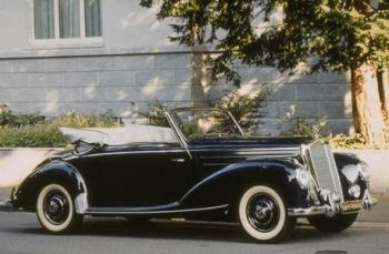 The Mercedes Benz 220 Cabriolet A – A beautiful timeless classic